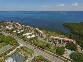 4700 Gulf Of Mexico Dr #ph1, Longboat Key, FL 34228
