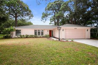2218 Pine View Cir, Sarasota, FL 34231