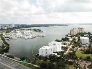 660 Golden Gate Pt #42, Sarasota, FL 34236