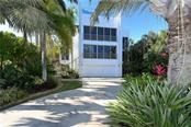 213 N Washington Dr, Sarasota, FL 34236