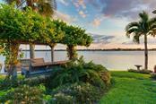 1705 Southpointe Dr, Sarasota, FL 34231 - thumbnail 21 of 25