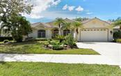 Front - Single Family Home for sale at 605 Khyber Ln, Venice, FL 34293 - MLS Number is A4182492
