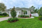 Single Family Home for sale at 8656 54th Avenue Cir E, Bradenton, FL 34211 - MLS Number is A4182853