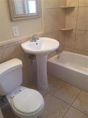 Bathroom has the tub/ shower combination. - Single Family Home for sale at 938 Highland St, Sarasota, FL 34234 - MLS Number is A4186423