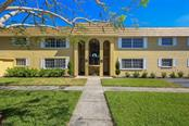 Front exterior - Condo for sale at 5800 Hollywood Blvd #113, Sarasota, FL 34231 - MLS Number is A4188016