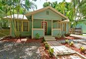 Single Family Home for sale at 1422 17th St W, Bradenton, FL 34205 - MLS Number is A4188602