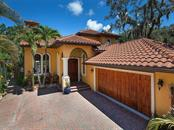 Single Family Home for sale at 1703 Hyde Park St, Sarasota, FL 34239 - MLS Number is A4194404
