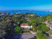 1050 Bay Point Pl, Sarasota, FL 34236