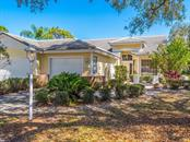7721 Whitebridge Gln, University Park, FL 34201