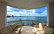 420 Golden Gate Pt #300b, Sarasota, FL 34236