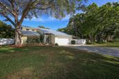 Spacious lot with a long driveway - Single Family Home for sale at 4417 Garcia Ave, Sarasota, FL 34233 - MLS Number is A4213473