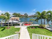 Single Family Home for sale at 7643 Cove Ter, Sarasota, FL 34231 - MLS Number is A4403215
