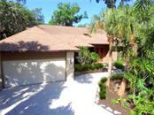 Single Family Home for sale at 4390 Oak View Dr, Sarasota, FL 34232 - MLS Number is A4405482