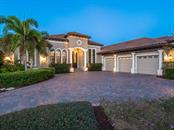 Single Family Home for sale at 6926 Lacantera Cir, Lakewood Ranch, FL 34202 - MLS Number is A4412189