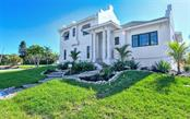 Single Family Home for sale at 586 Hibiscus, Longboat Key, FL 34228 - MLS Number is A4416902
