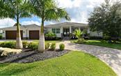 Single Family Home for sale at 528 Venice Ln, Sarasota, FL 34242 - MLS Number is A4419087