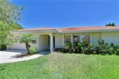 Single Family Home for sale at 520 Casey Key Rd, Nokomis, FL 34275 - MLS Number is A4433734
