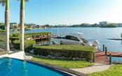 Single Family Home for sale at 1640 Bay Harbor Ln, Sarasota, FL 34231 - MLS Number is A4490114