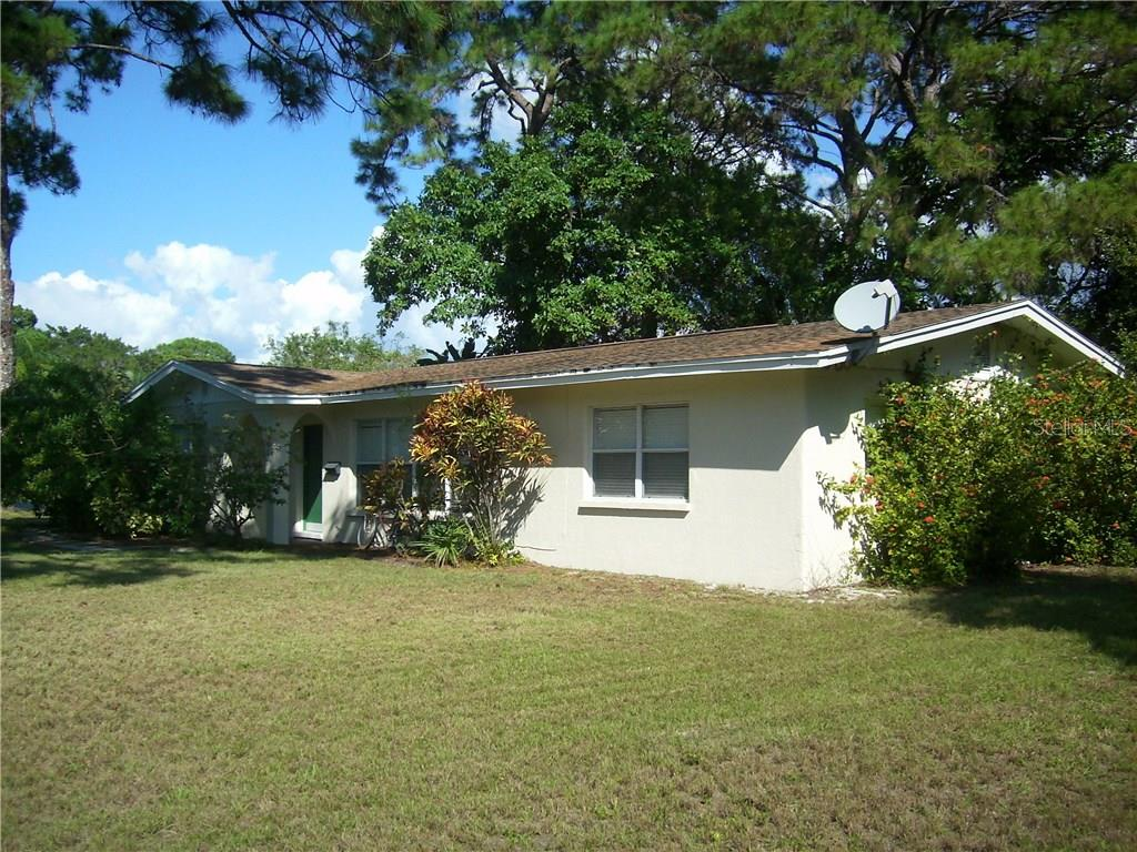 Single Family Home for sale at 1401 S Nokomis Ave, Venice, FL 34285 - MLS Number is N5910561