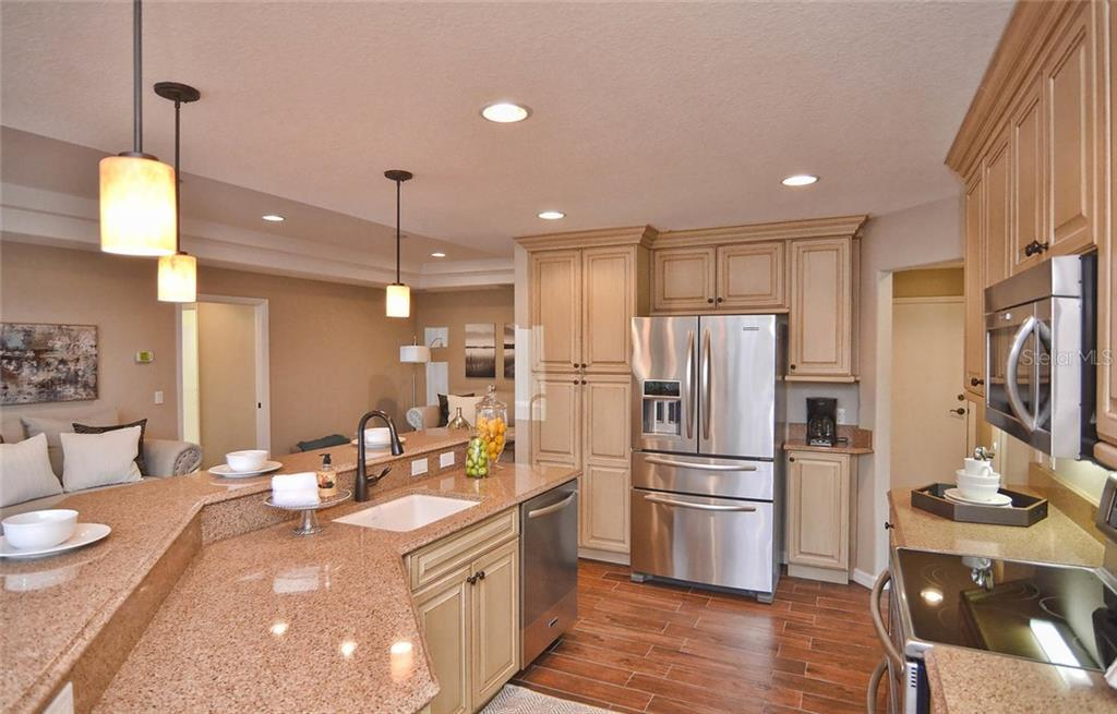 Kitchen - Single Family Home for sale at 2505 Northway Dr, Venice, FL 34292 - MLS Number is N5911099