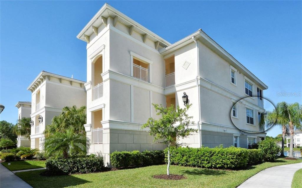 Front and side view of the property - Condo for sale at 500 San Lino Cir #524, Venice, FL 34292 - MLS Number is N5912607