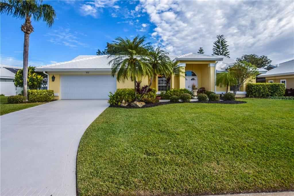 Front of Home - Single Family Home for sale at 512 Warwick Dr, Venice, FL 34293 - MLS Number is N5912872