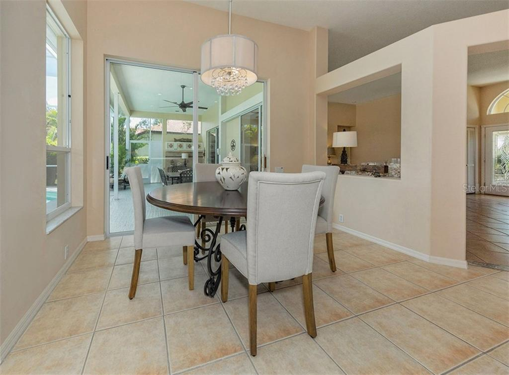 Eat In Area - Single Family Home for sale at 279 Royal Oak Way, Venice, FL 34292 - MLS Number is N5912986