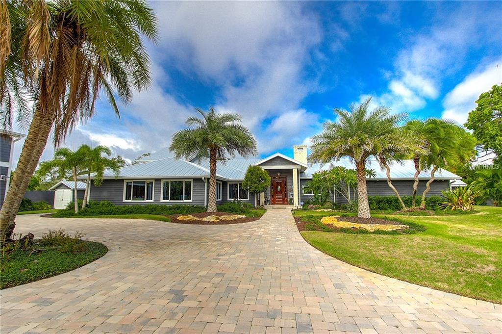 Single Family Home for sale at 530 Lyons Bay Rd, Nokomis, FL 34275 - MLS Number is N5914090
