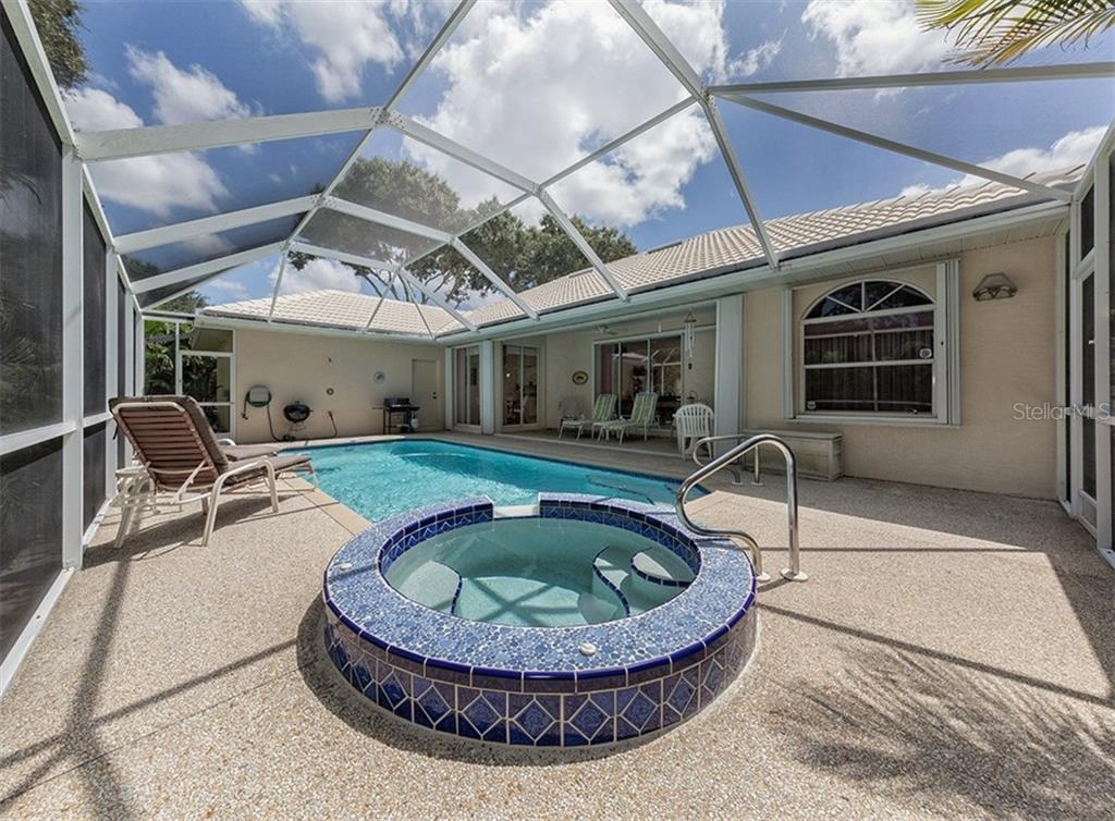 Spa/pool - Single Family Home for sale at 577 Park Estates Sq, Venice, FL 34293 - MLS Number is N5914129