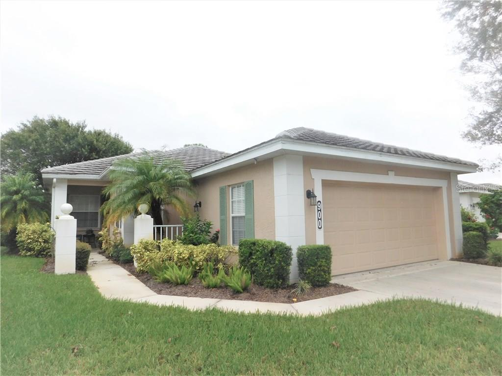 Front Exterior View - Villa for sale at 900 Tartan Dr #28, Venice, FL 34293 - MLS Number is N5914495