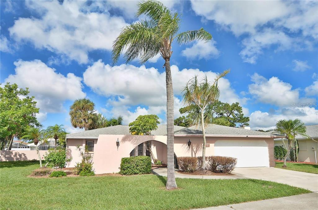 Front - Single Family Home for sale at 1410 Strada D Argento, Venice, FL 34292 - MLS Number is N5914540