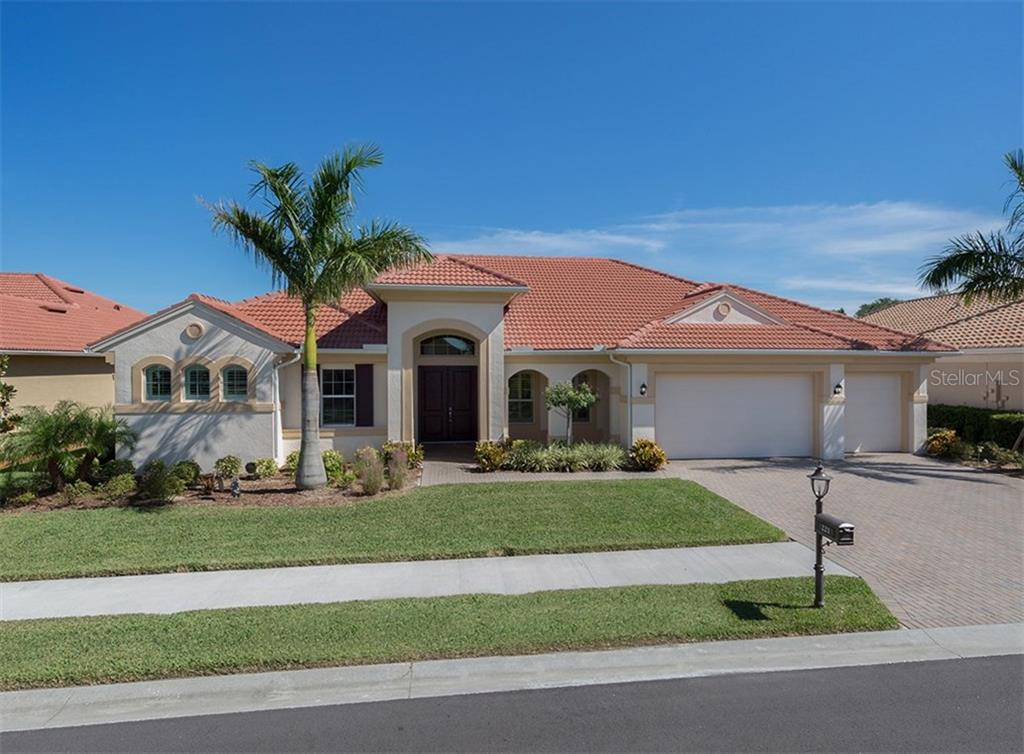 Front - Single Family Home for sale at 221 Portofino Dr, North Venice, FL 34275 - MLS Number is N5914925