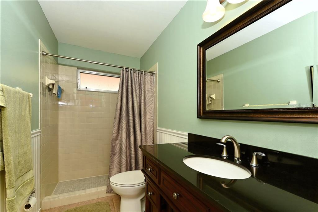 Condo for sale at 611 Apple Ln #128, Englewood, FL 34223 - MLS Number is N5915336