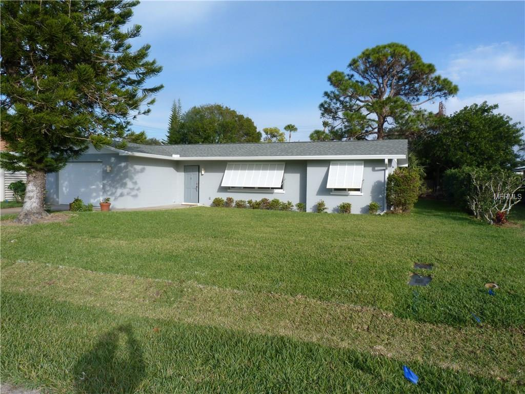 Single Family Home for sale at 829 Robert St, Venice, FL 34285 - MLS Number is N5915913