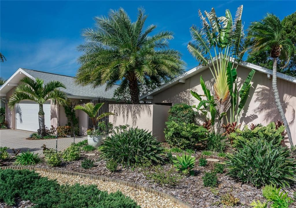Single Family Home for sale at 412 Spadaro Dr, Venice, FL 34285 - MLS Number is N5916151
