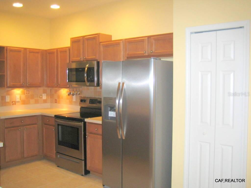 Under and over cabinetry lighting - Villa for sale at 1445 Maseno Dr, Venice, FL 34292 - MLS Number is N5916837