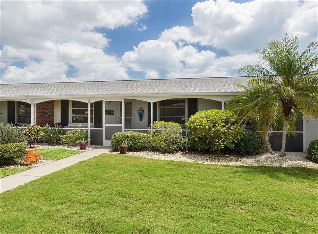 100 The Esplanade Unit #4 - A maintenance free 55+ community, steps to Venice Public Beach! - Condo for sale at 100 The Esplanade N #4, Venice, FL 34285 - MLS Number is N6100334