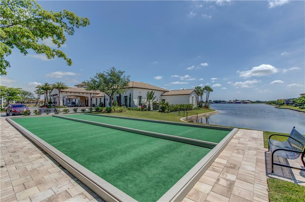 Single Family Home for sale at 280 Maraviya Blvd, North Venice, FL 34275 - MLS Number is N6100430