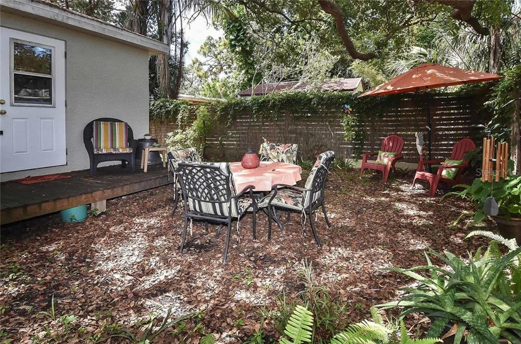Pool Cabana outdoor patio area - Single Family Home for sale at 404 Pine Road, Nokomis, FL 34275 - MLS Number is N6100811