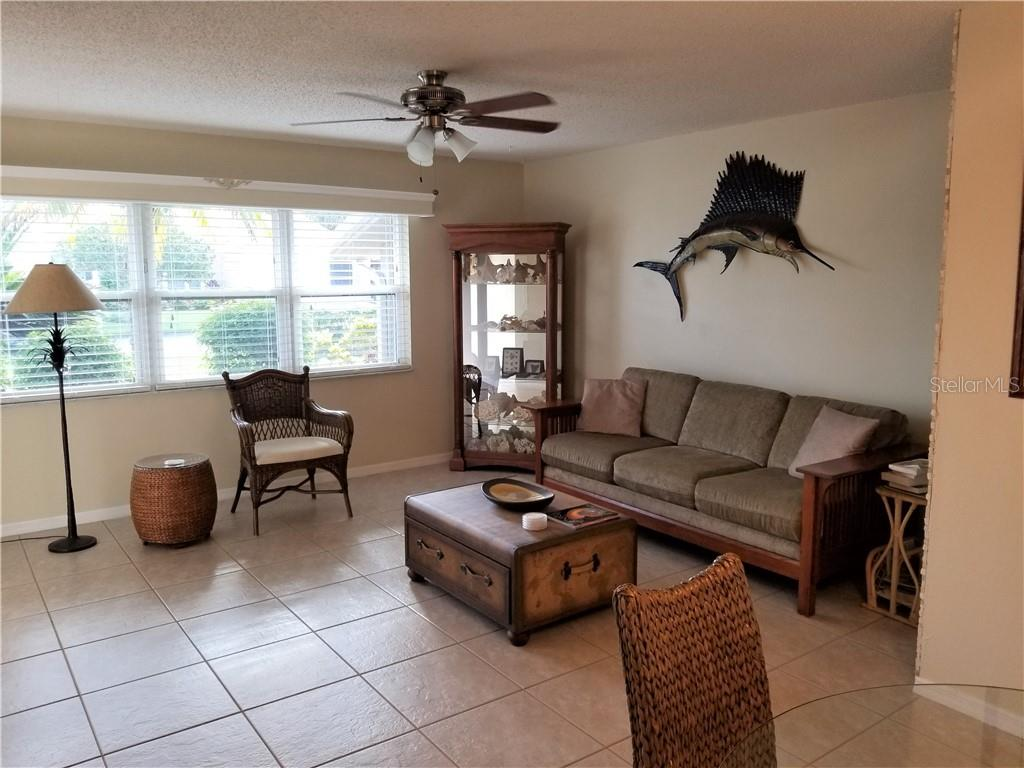 Single Family Home for sale at 3324 Meadow Run Cir, Venice, FL 34293 - MLS Number is N6100878