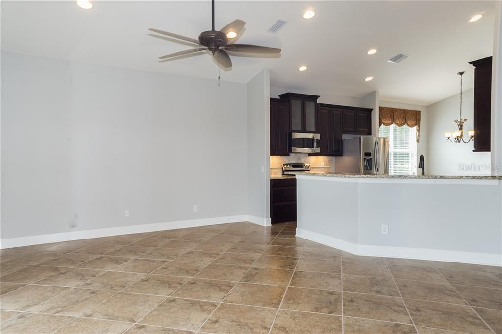 Large Tile on the Diagonal - Single Family Home for sale at 2290 Terracina Dr, Venice, FL 34292 - MLS Number is N6101301