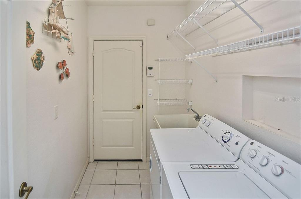 Utility room - Villa for sale at 1720 Fountain View Cir, Venice, FL 34292 - MLS Number is N6101363