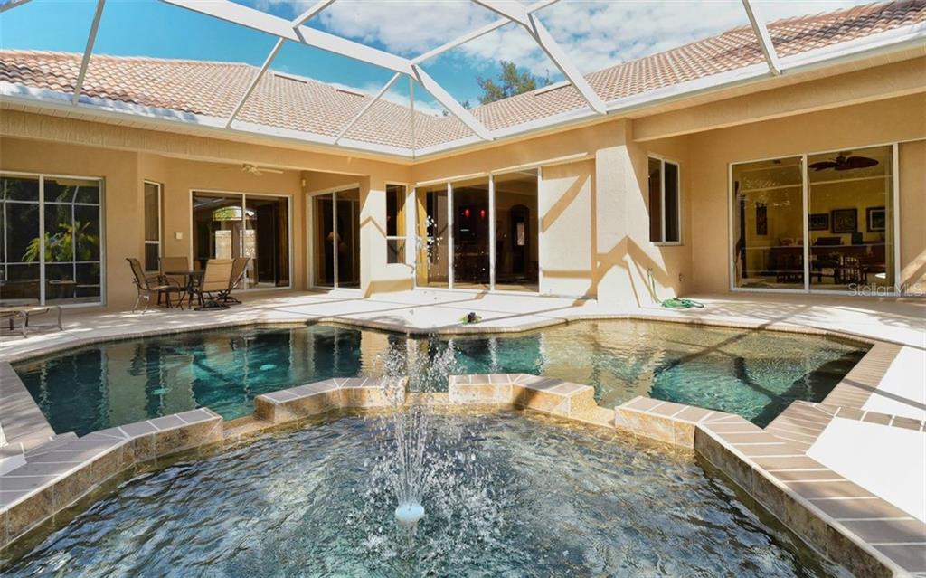 Pool/lanai - Single Family Home for sale at 913 Chickadee Dr, Venice, FL 34285 - MLS Number is N6101770