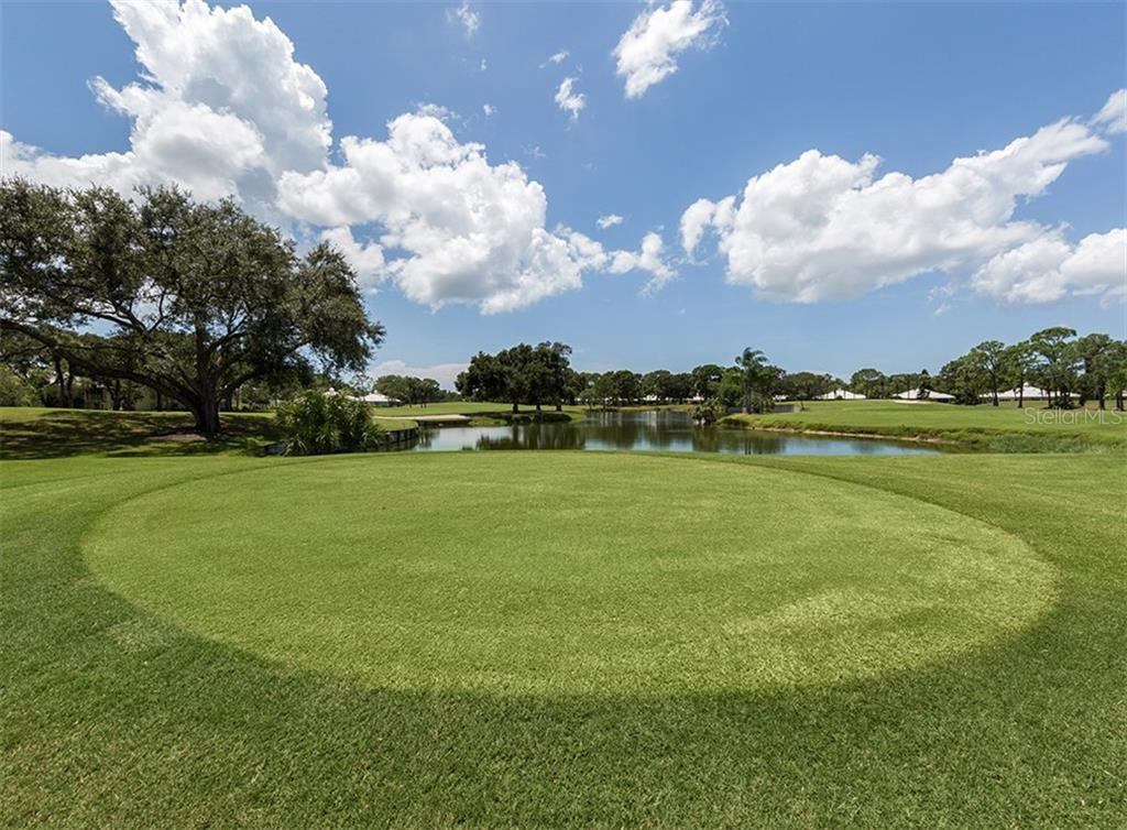 Golf course - Villa for sale at 865 Tartan Dr, Venice, FL 34293 - MLS Number is N6101901