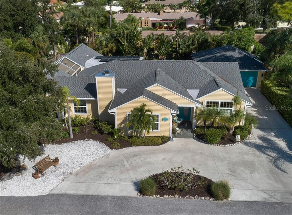 Single Family Home for sale at 7 Cornwell On The Gulf, Venice, FL 34285 - MLS Number is N6102542