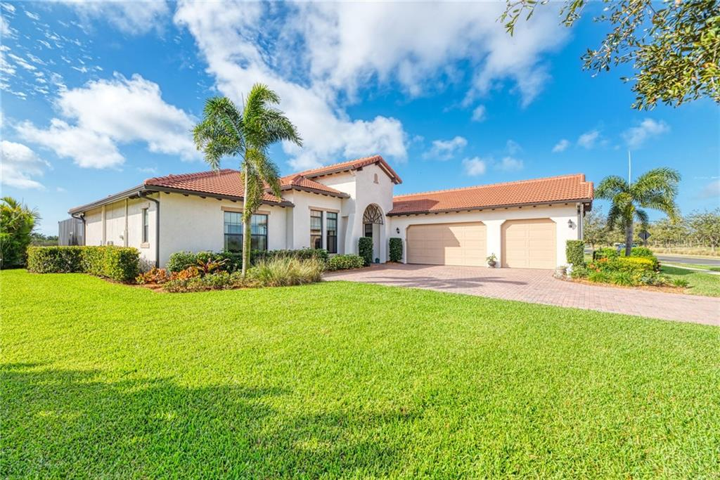 Floorpan and Included Features - Single Family Home for sale at 10724 Ironbridge Dr, Venice, FL 34293 - MLS Number is N6104279