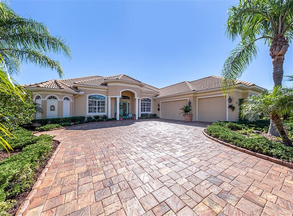 Front elevation - Single Family Home for sale at 19799 Cobblestone Cir, Venice, FL 34292 - MLS Number is N6104694
