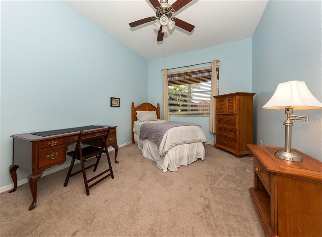 Bedroom 3 - Single Family Home for sale at 129 Wayforest Dr, Venice, FL 34292 - MLS Number is N6105216