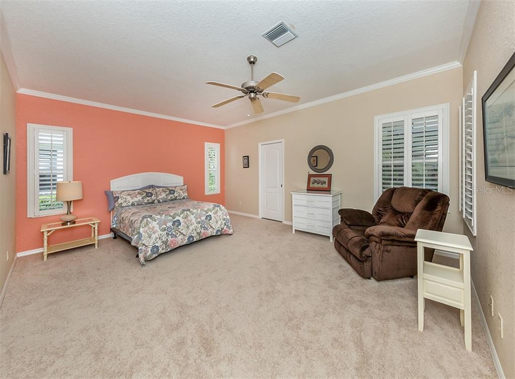 Master bedroom - Single Family Home for sale at 836 Connemara Cir, Venice, FL 34292 - MLS Number is N6105684
