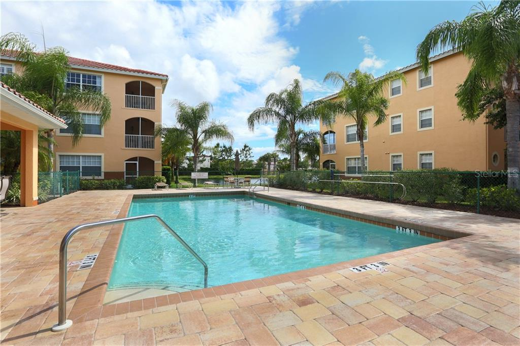 Community pool - Condo for sale at 1761 Auburn Lakes Dr #22, Venice, FL 34292 - MLS Number is N6106204
